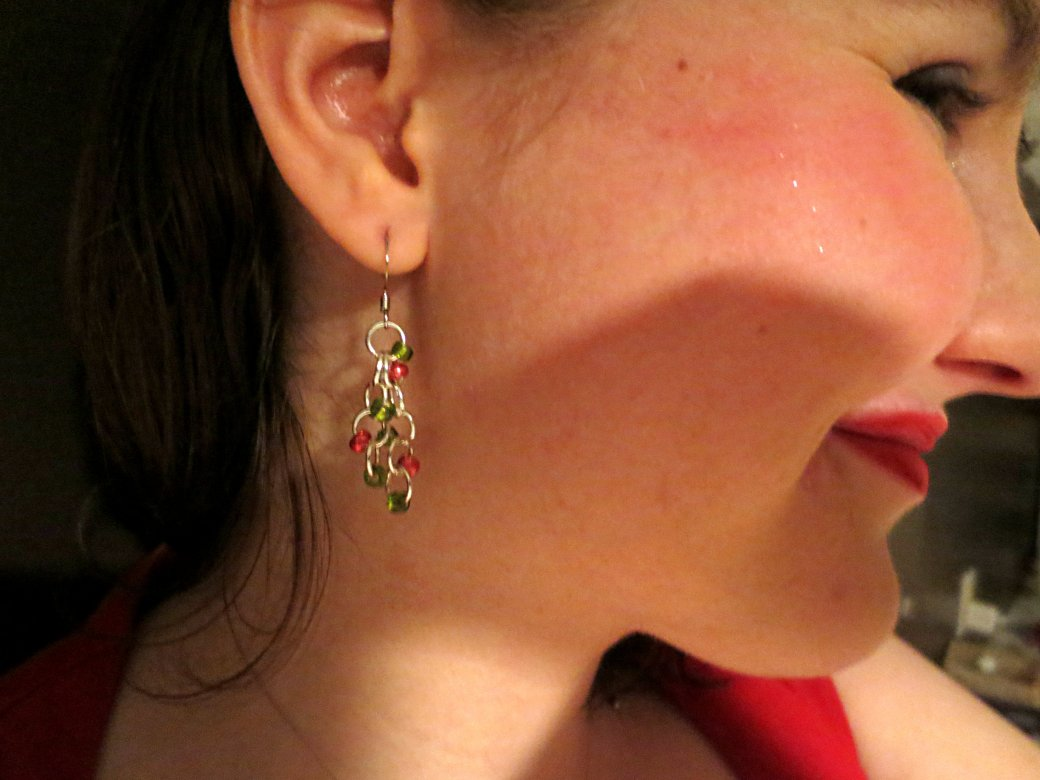 Red & green chains (the result of a painstaking 20 minutes spent struggling with beading pliers)